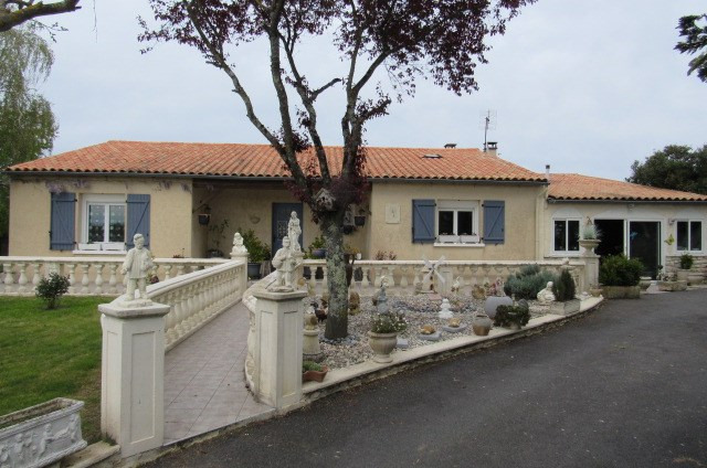 Vente maison / villa Le mung 254 400€ - Photo 1