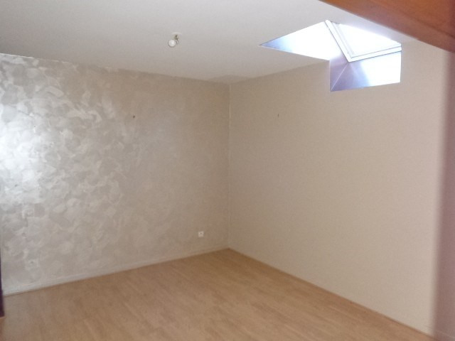 Location maison / villa Liesville sur douve 537€ CC - Photo 6
