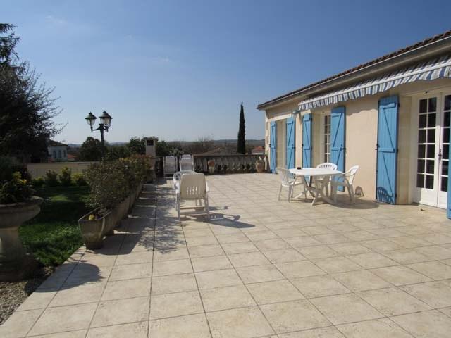 Vente maison / villa Saint jean d'angély 305950€ - Photo 2