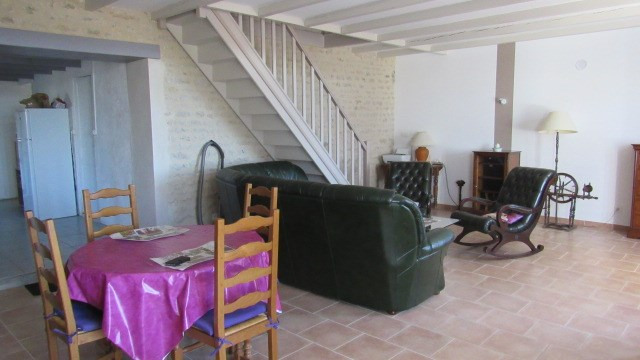 Vente maison / villa Loulay 122 250€ - Photo 4