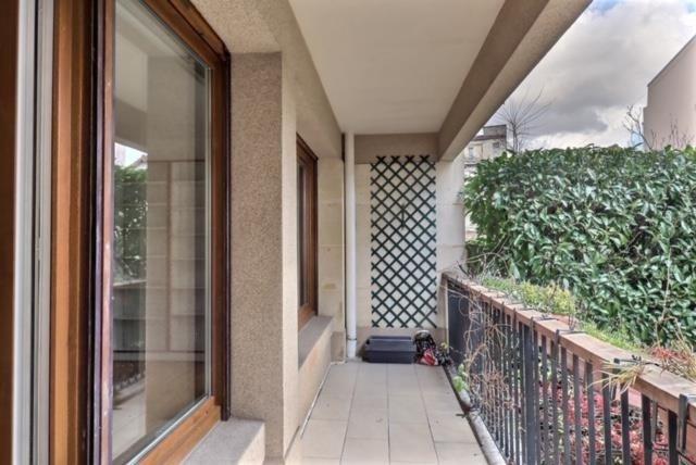 Sale apartment Versailles 650000€ - Picture 4