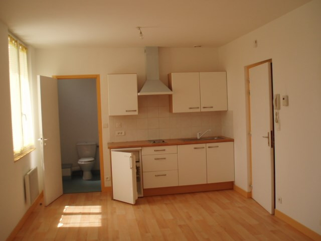 Rental apartment Pontivy 326€ CC - Picture 1