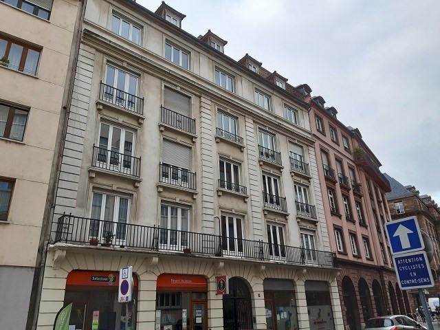 Rental apartment Strasbourg 762€ CC - Picture 1
