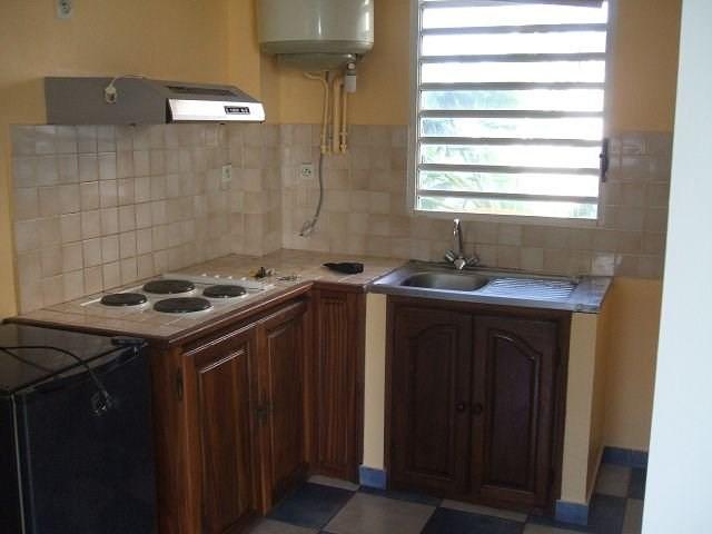 Location appartement St denis 414€ CC - Photo 1
