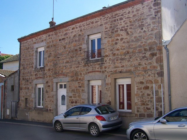 Revenda casa Rozier-en-donzy 78000€ - Fotografia 2