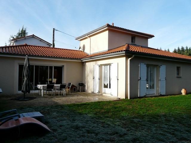 Sale house / villa Saint-genest-lerpt 337000€ - Picture 1