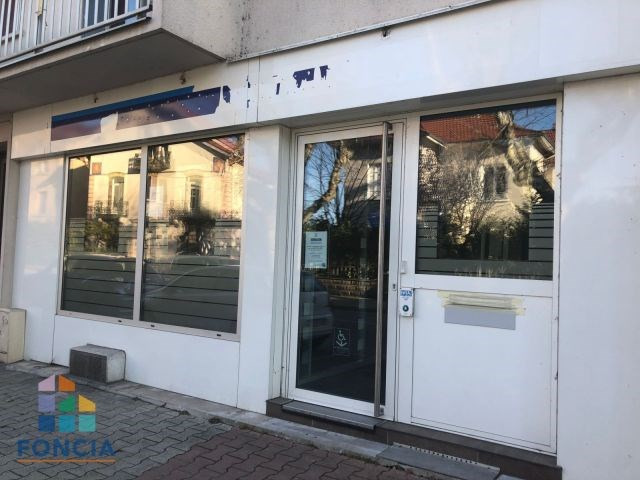 Location local commercial Aurec-sur-loire 1 720€ CC - Photo 1
