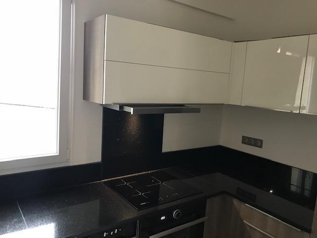 Location appartement Paris 10ème 1350€ CC - Photo 3