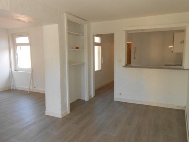 Rental apartment Montrond-les-bains 455€ CC - Picture 2