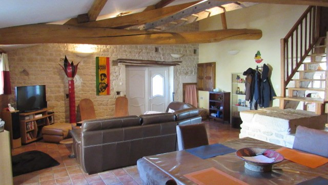 Sale house / villa Saint-jean-d'angély 145 350€ - Picture 5