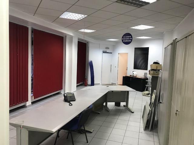 Rental office Paris 14ème 3000€ HT/HC - Picture 1