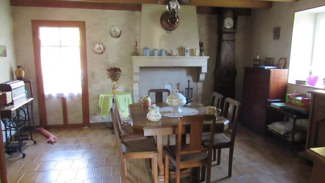 Sale house / villa Loulay 117 000€ - Picture 4