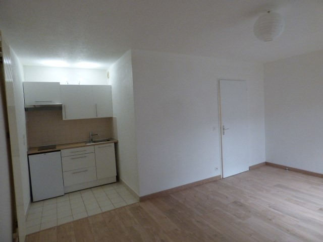 Rental apartment Chambery 360€ CC - Picture 3