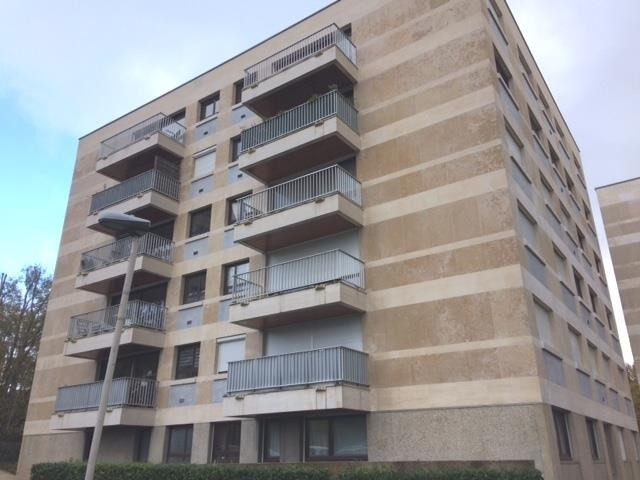 Location appartement Garches 1 449€ CC - Photo 1