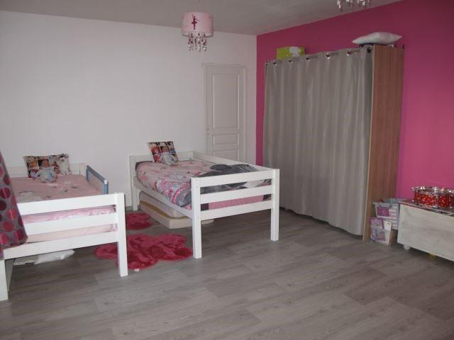 Revenda casa Sury-le-comtal 150000€ - Fotografia 3