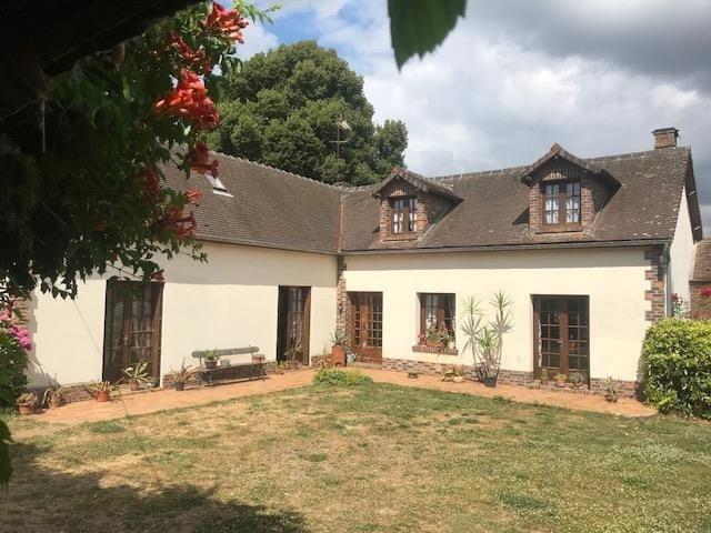 Sale house / villa Beauvais 243000€ - Picture 1