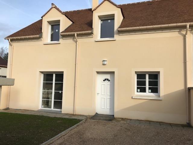 Sale house / villa Montfort l amaury 380000€ - Picture 1