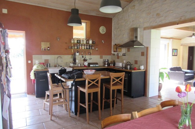 Sale house / villa La vallée 304 895€ - Picture 5