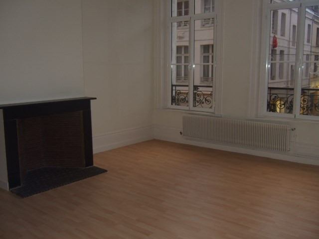 Location appartement Saint omer 418€ CC - Photo 3