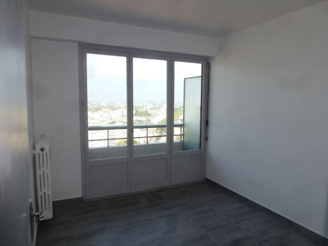 Location appartement Chambéry 795€ CC - Photo 2