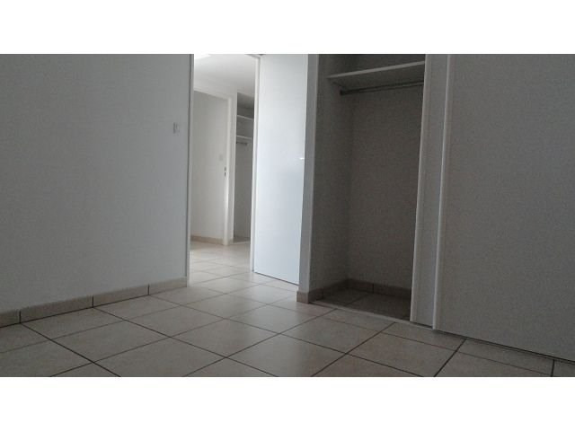 Location appartement Ste clotilde 798€ CC - Photo 4
