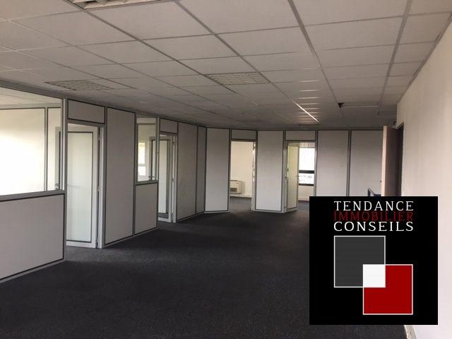 Location bureau Limas 1250€ CC - Photo 3