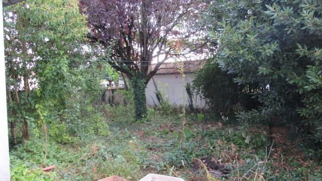 Sale house / villa Saint jean d angely 80250€ - Picture 6