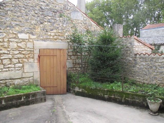 Sale house / villa Saint-porchaire 117000€ - Picture 6