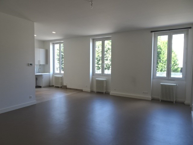 Location appartement Villefranche sur saone 898€ CC - Photo 3
