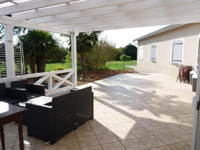 Sale house / villa Saint-etienne-le-molard 375000€ - Picture 5