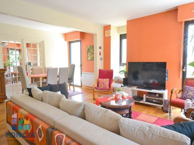 Deluxe sale apartment Suresnes 875 000€ - Picture 1