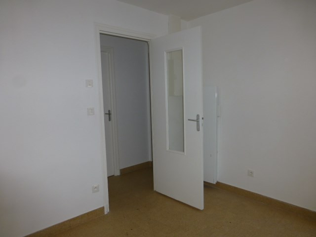 Location maison / villa Perdreauville 690€ CC - Photo 6