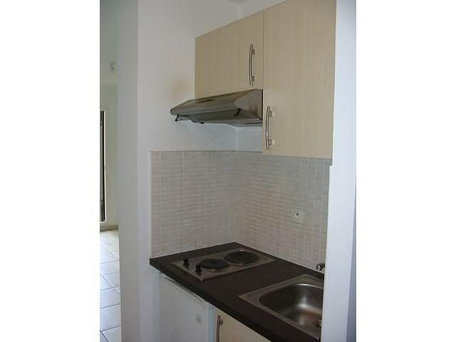 Location appartement St denis 356€ CC - Photo 3