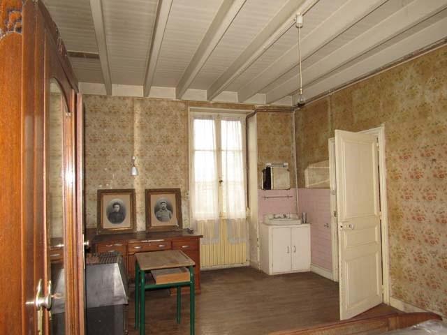 Sale house / villa St séverin sur boutonne 75000€ - Picture 6