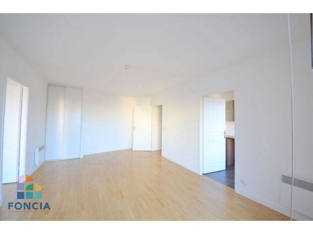 Sale apartment Suresnes 349 500€ - Picture 3