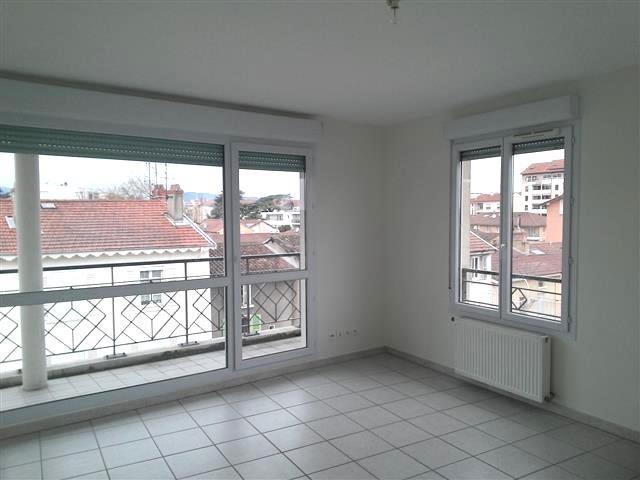 Location appartement Villefranche sur saone 735€ CC - Photo 1