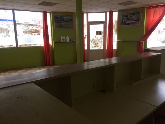 Location local commercial Lisieux 750€ HT/HC - Photo 1