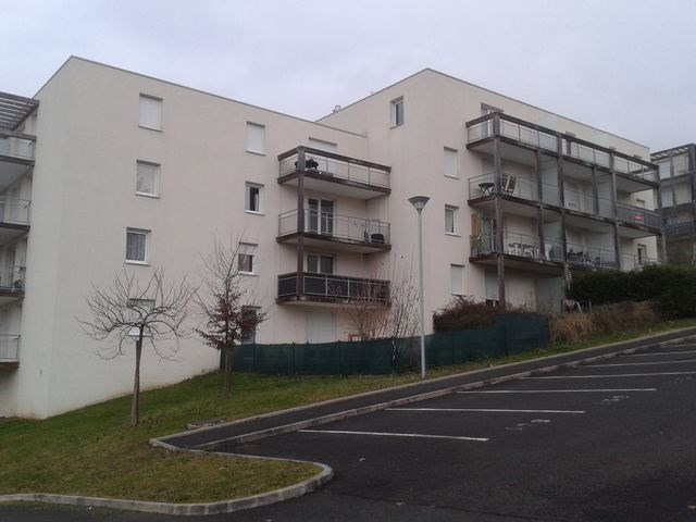 Rental apartment Vichy 330€ CC - Picture 1