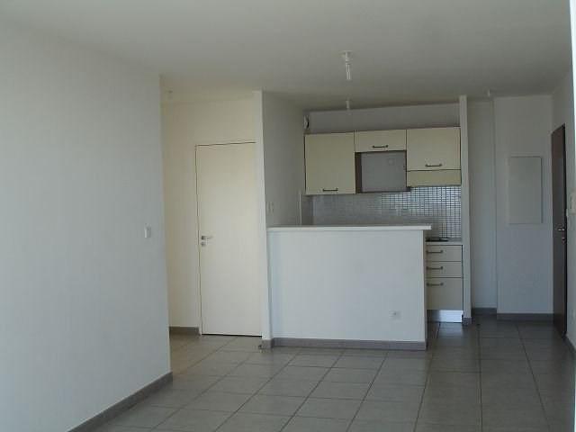 Location appartement Ste clotilde 586€ CC - Photo 5