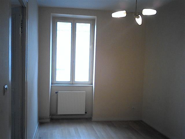 Location appartement Tarare 320€ CC - Photo 2