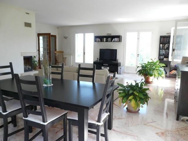 Rental house / villa Saint-genest-lerpt 1076€ CC - Picture 4