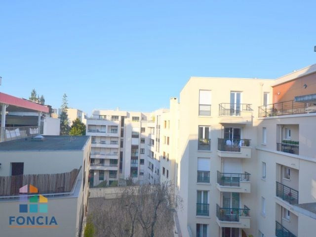 Sale apartment Suresnes 349 500€ - Picture 7
