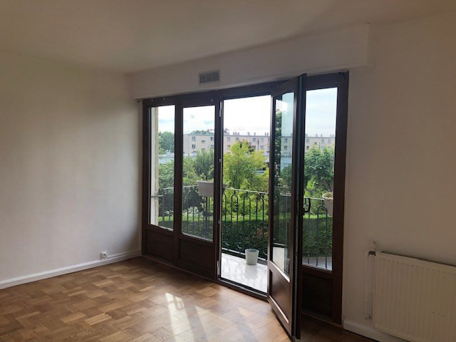 Location appartement Fresnes 845€ CC - Photo 4