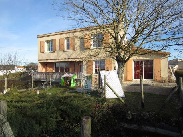 Sale house / villa Les nouillers 196100€ - Picture 1