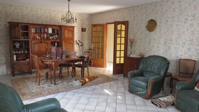 Sale house / villa Saint-jean-d'angély 148500€ - Picture 3