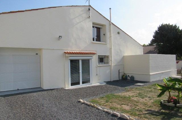 Sale house / villa Puy du lac 159000€ - Picture 1