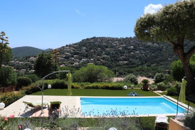 Vacation rental house / villa Cavalaire sur mer 800€ - Picture 2