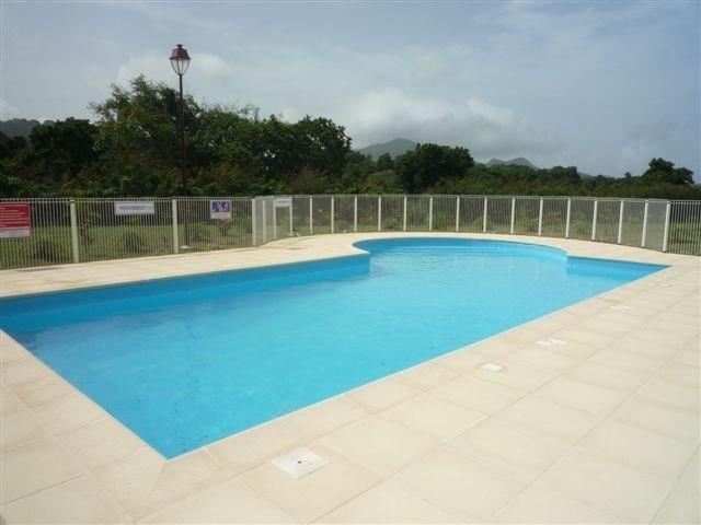 Sale apartment St claude 155000€ - Picture 3