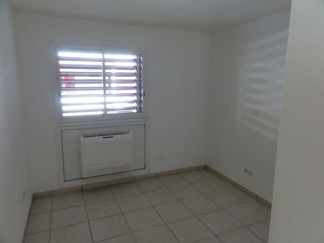 Location appartement St denis 766€ CC - Photo 4
