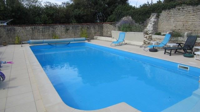Sale house / villa Saint-georges-de-longuepierre 327050€ - Picture 2